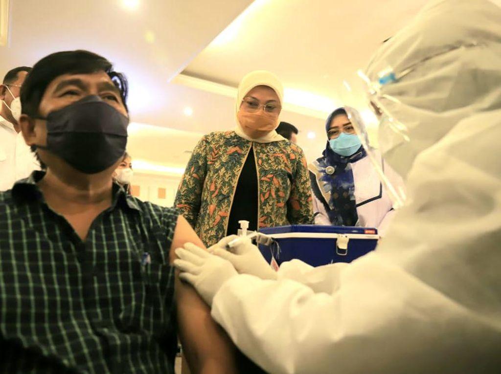 May Day, Kemnaker dan Kemenkes Gelar Vaksinasi 1.000 Buruh