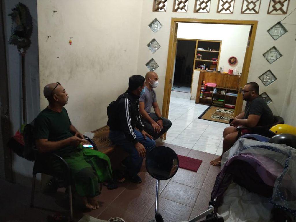 Polisi Tangkap Pria yang Viral Membodohkan Pengunjung Mal Bermasker