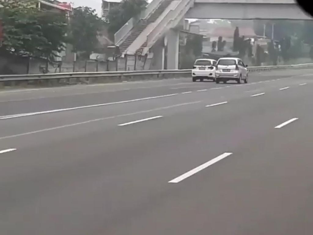 Penjelasan Jasa Marga soal Kejar-kejaran 2 Mobil di Tol Bandung