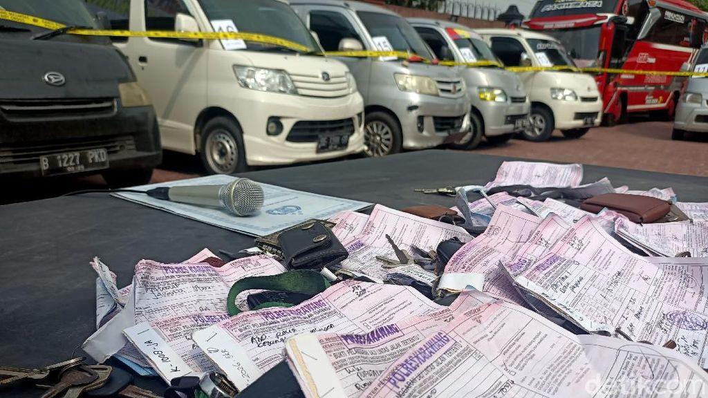 Angkut Penumpang Ilegal, 32 Travel Gelap Kena Tilang di Karawang