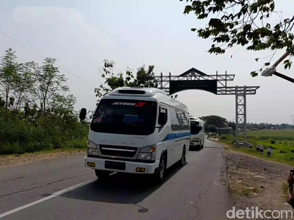 Besok Mudik Dilarang, Arus Lalin Pantura Brebes dari Jakarta Meningkat