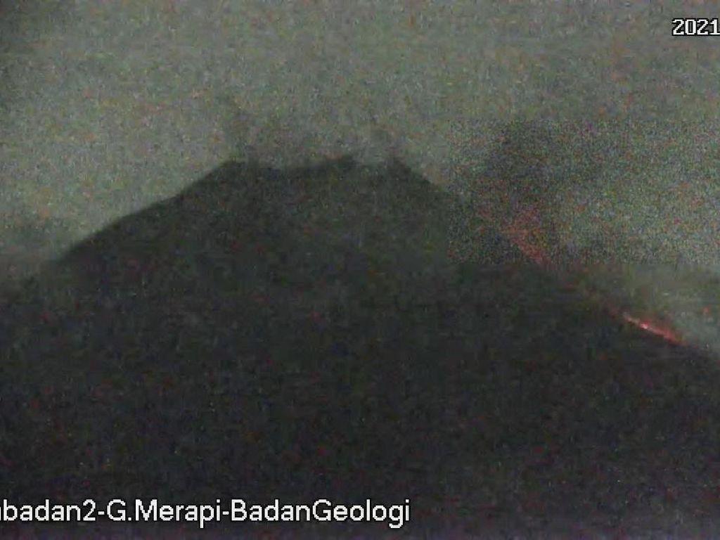 Gunung Merapi Erupsi, Luncurkan Awan Panas 1,5 Km ke Barat Daya