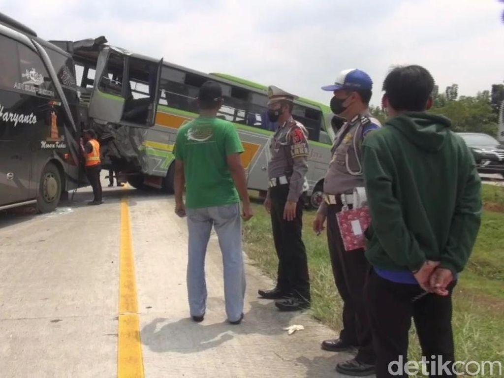 Kecelakaan Fatal Bus Vs Bus di Tol Cipali, 2 Orang Tewas