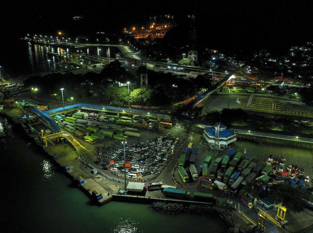 Polisi Tangkap 5 Pemalsu Tiket Pelabuhan Merak