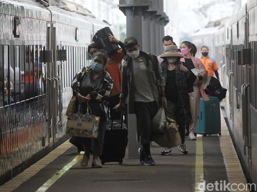 Daftar Harga Tiket Kereta Purwokerto-Bandung via Cikampek
