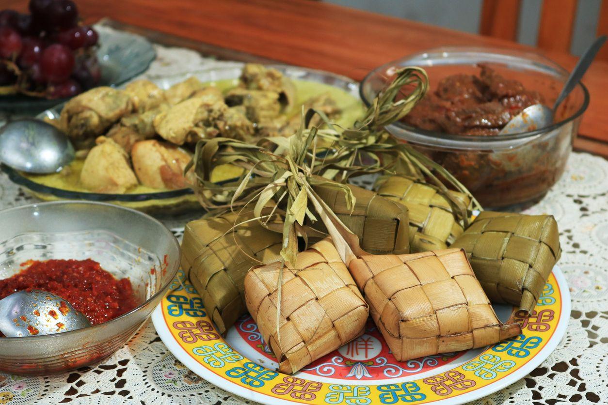 Ketupat and Rendang Lebaran, the Traditional Celebratory Dish of Rice Cake Soup