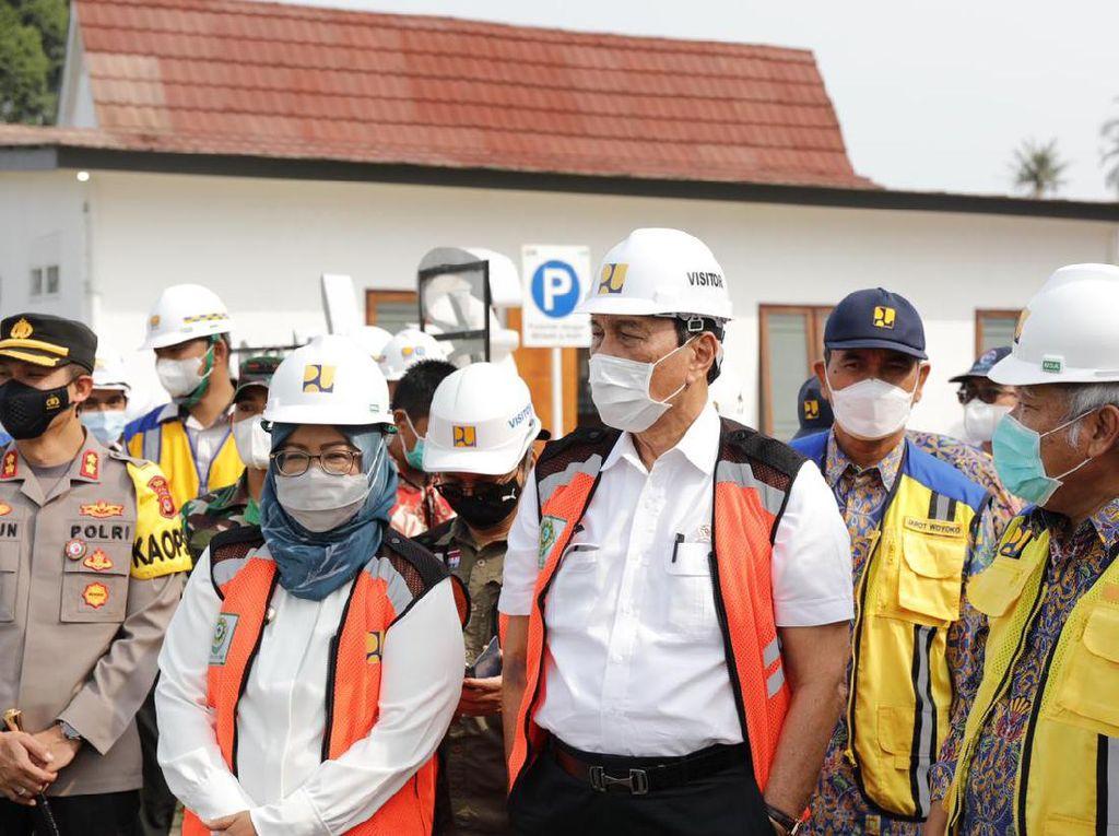 Luhut Minta Universitas Dilibatkan untuk Atasi Banjir