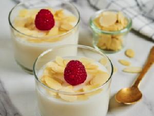 Resep Puding Kelapa Vanila yang Creamy Gurih untuk Takjil