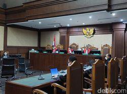 Sopir Eks Pejabat Kemensos Ngaku Transfer Rp 40 Juta ke Ajudan Juliari
