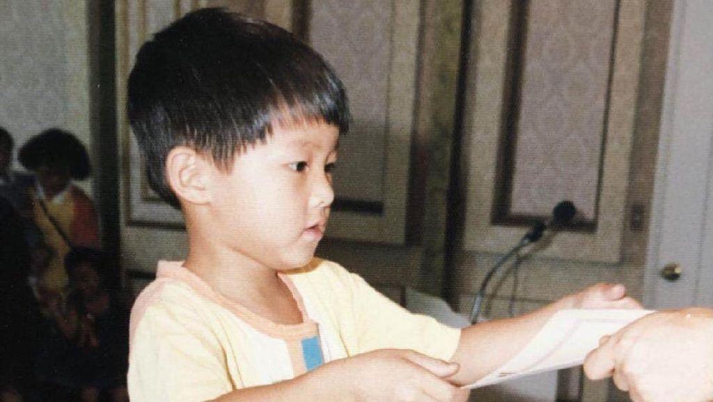 Peringati Hari Anak, Song Joong Ki dan 10 Artis Korea Pamer Foto Masa Kecil
