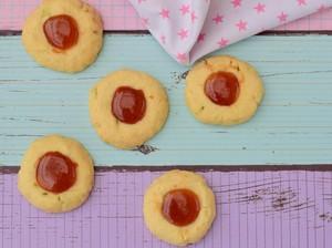 Resep Thumbprint Strawberry Cookie, Bisa Dibuat Tanpa Mikser