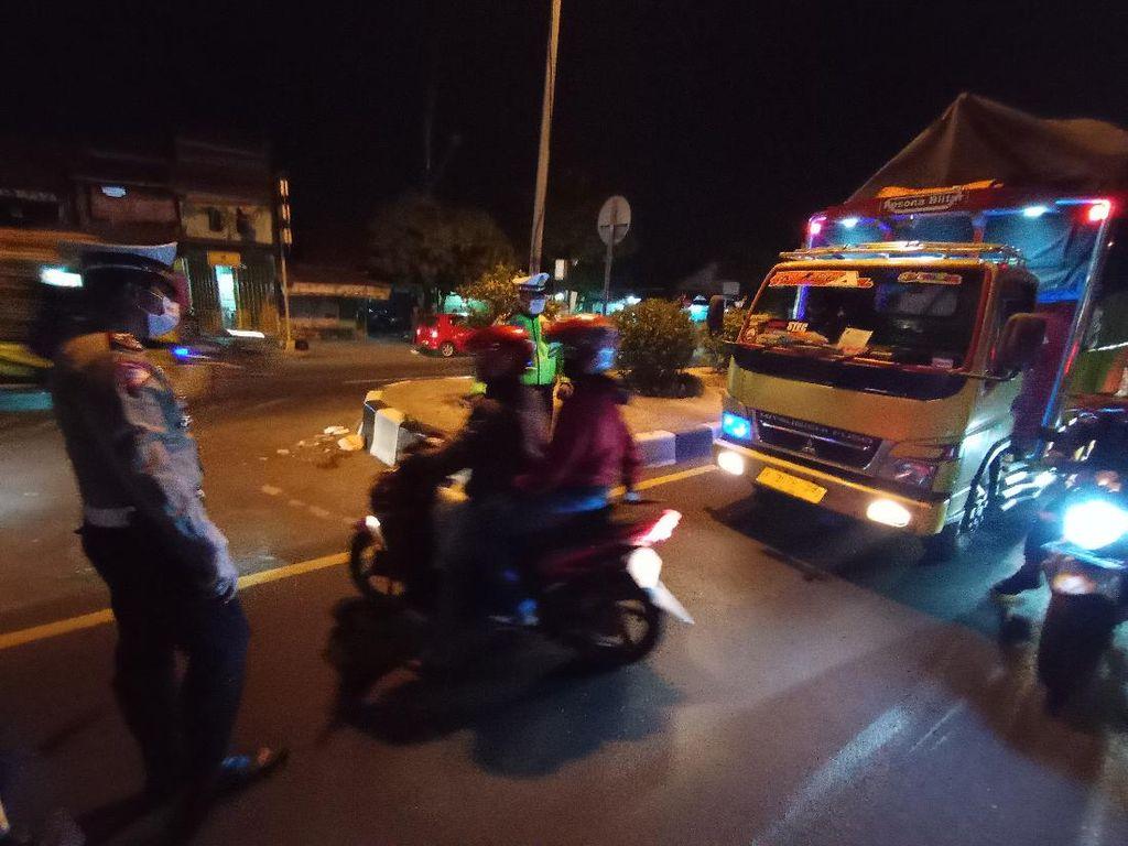 Mudik Resmi Dilarang, Begini Penyekatan di Jalur Pantura Cirebon