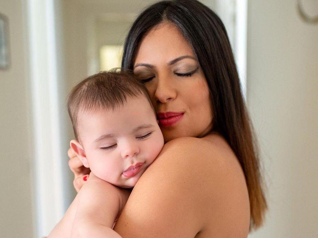 Mengejutkan, Model Playboy Pakai Plasenta Bayi Sebagai Masker Kecantikan