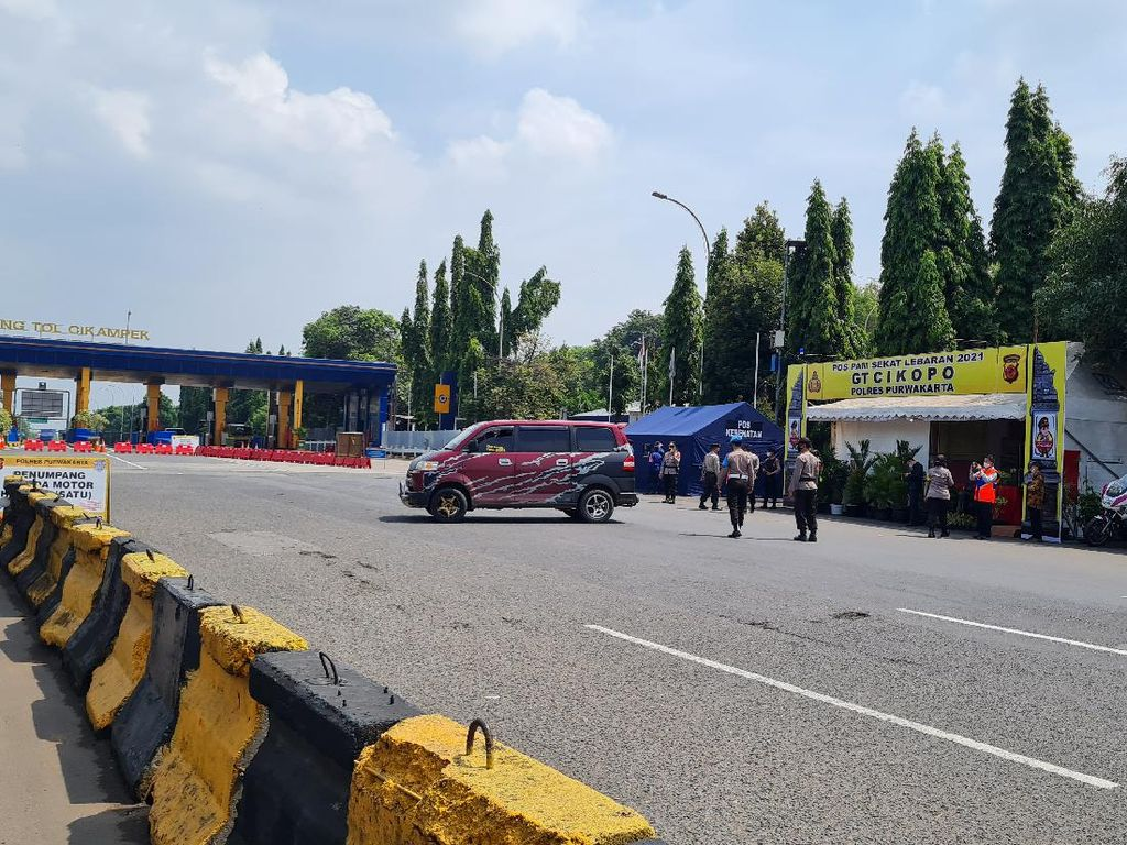 95 Kendaraan Diperiksa di GT Cikopo Purwakarta, 8 Diputar Balik