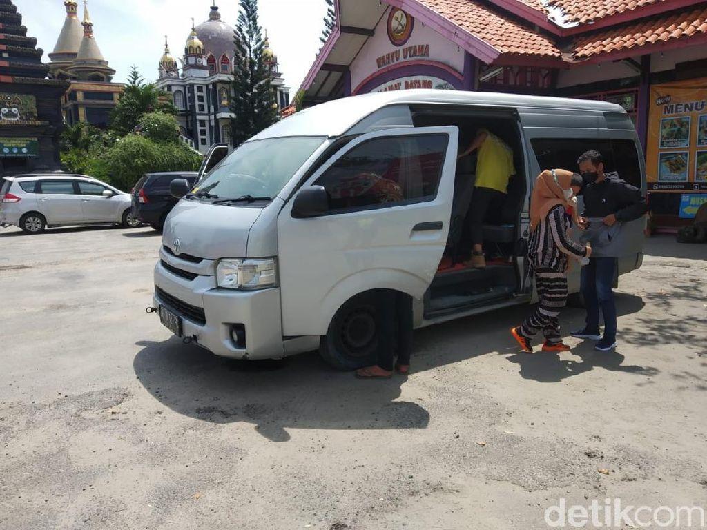 Travel Gelap Pemudik Diamankan di Perbatasan Jatim-Jateng, Sopirnya Reaktif