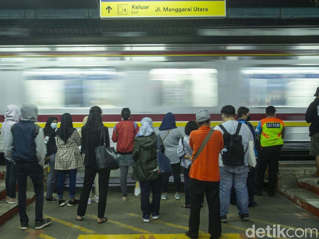 Kronologi Pelecehan di KRL yang Direspons Ngegas Twitter KAI Commuter