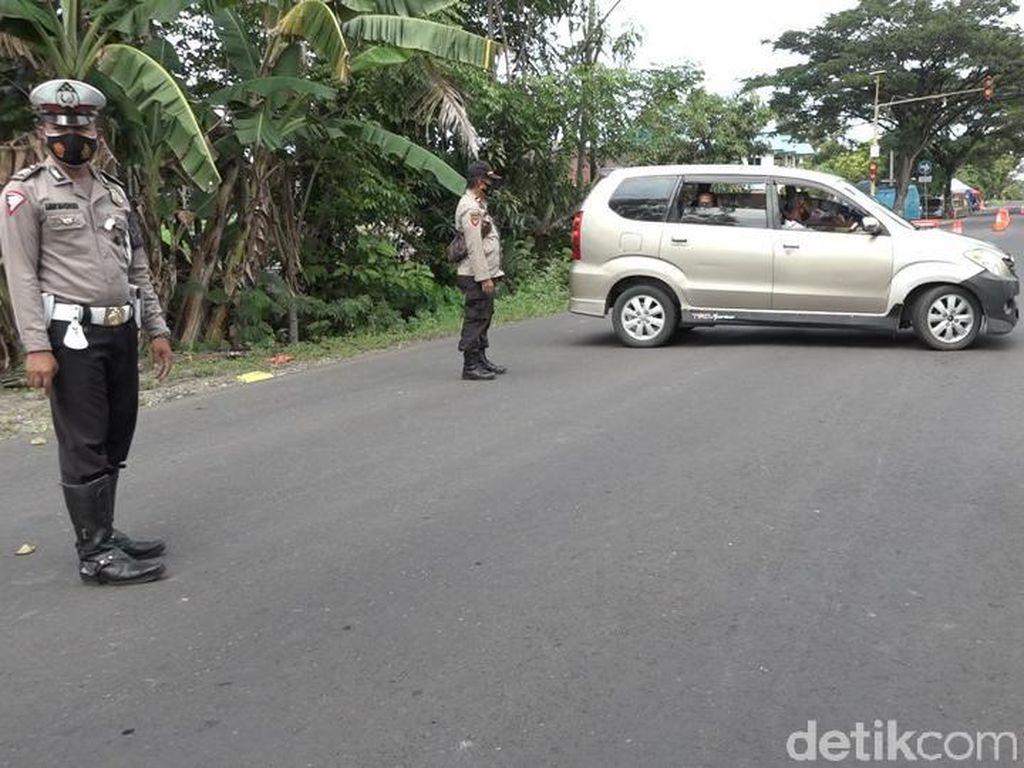 Polisi Putar Balik Puluhan Warga Nekat Mudik di Jalinsum Sumut-Aceh