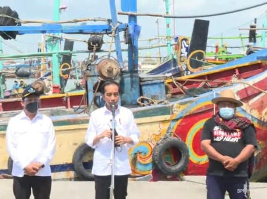 Presiden Jokowi Tinjau Nelayan TPI Brondong Lamongan