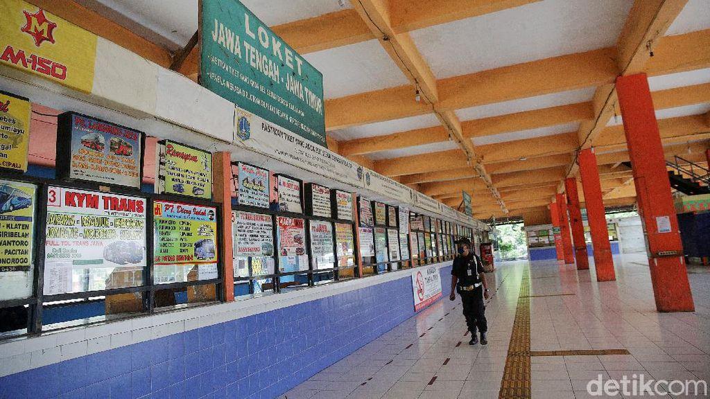 Mudik Dilarang Terminal Kampung Rambutan Sepi