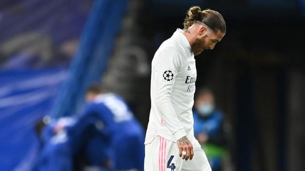 Soccer Football - Champions League - Semi Final Second Leg - Chelsea v Real Madrid - Stamford Bridge, London, Britain - May 5, 2021 Real Madrid's Sergio Ramos looks dejected after Chelsea's Mason Mount scored their second goal REUTERS/Toby Melville     TPX IMAGES OF THE DAY
