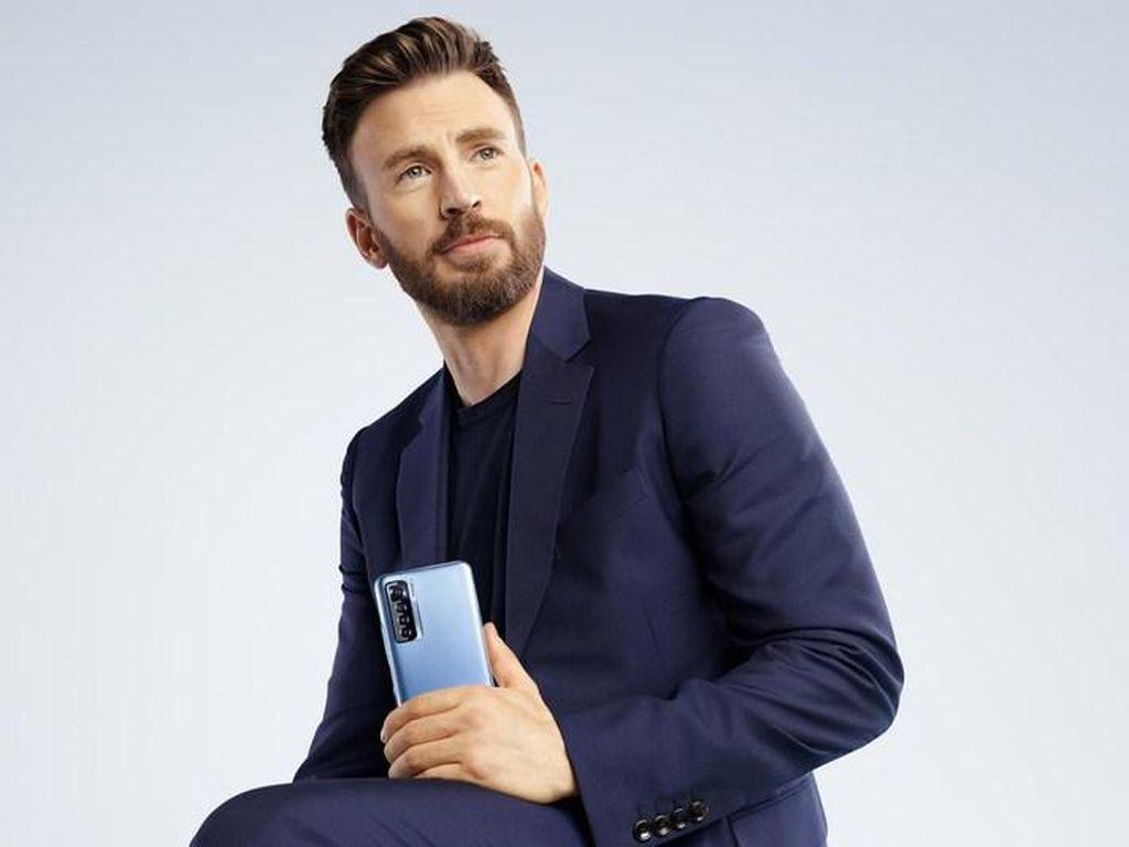 Captain America Jadi Brand Ambassador Ponsel Asal China