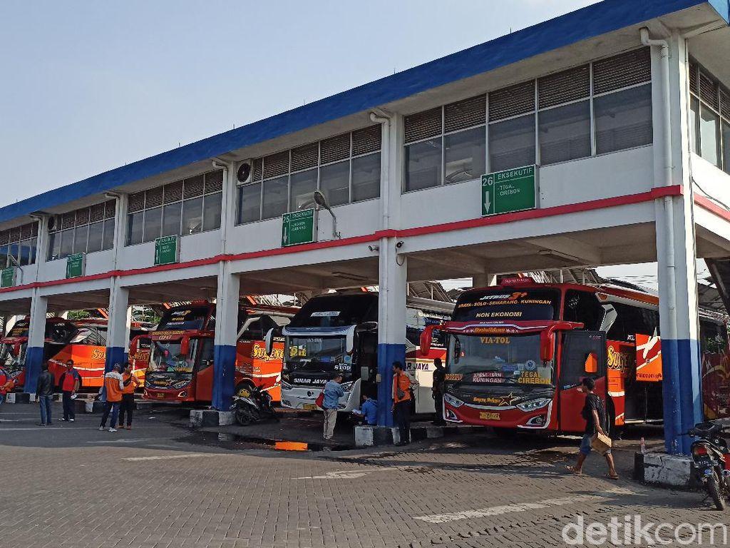 Bus AKAP dan AKDP di Terminal Purabaya Beroperasi untuk Penumpang Nonmudik