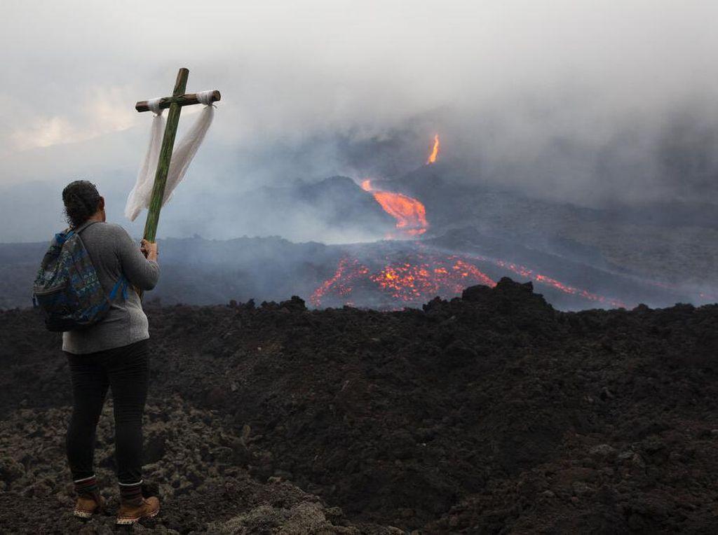 Warga Guatemala Gelar Doa Untuk Gunung Berapi Pacaya