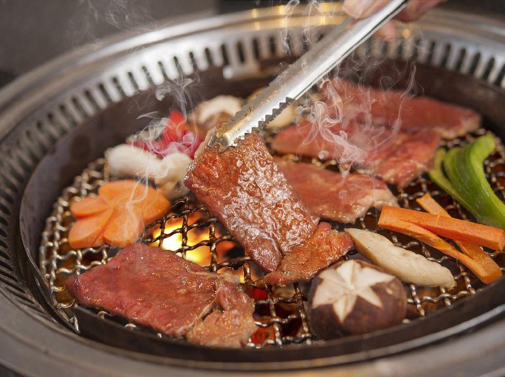 5 Tips Makan di Restoran AYCE Agar Tidak Buang-buang Makanan