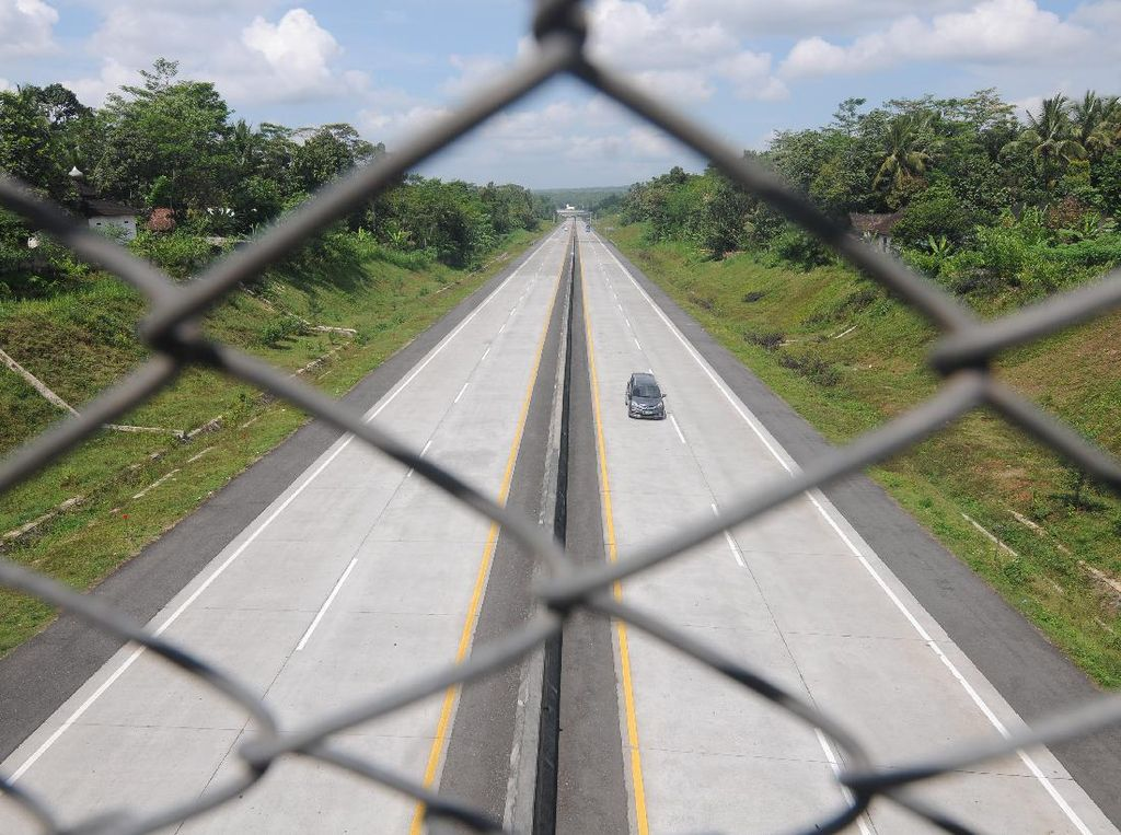 Mulai Hari Ini, 27 Exit Tol di Jawa Tengah Ditutup