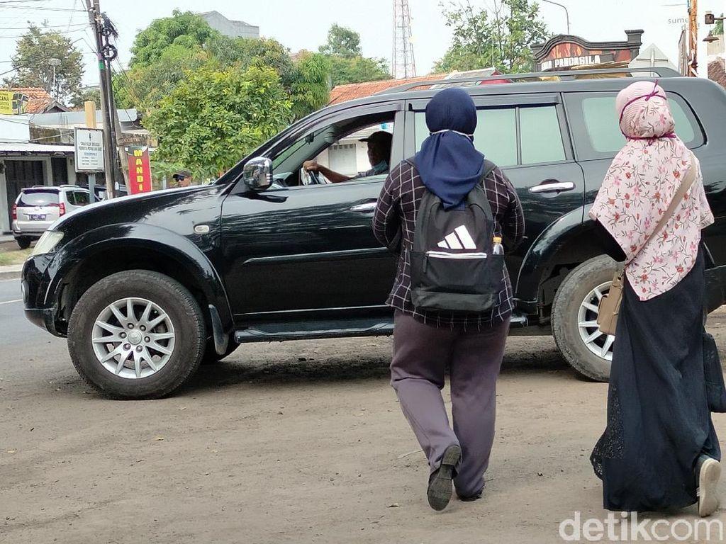 Cerita Mahasiswi Mudik Naik Turun Angkot dari Bandung ke Majalengka
