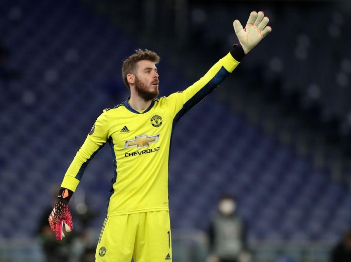 ROME, ITALY - MAY 06: David de Gea of Manchester United reacts during the UEFA Europa League Semi-final Second Leg match between AS Roma and Manchester United at Stadio Olimpico on May 06, 2021 in Rome, Italy. Sporting stadiums around Europe remain under strict restrictions due to the Coronavirus Pandemic as Government social distancing laws prohibit fans inside venues resulting in games being played behind closed doors. (Photo by Paolo Bruno/Getty Images)