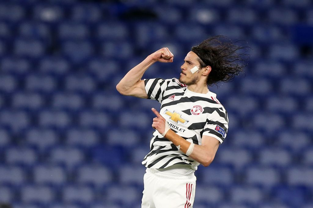 ROME, ITALY - MAY 06: Edinson Cavani of Manchester United celebrates after scoring their side's first goal during the UEFA Europa League Semi-final Second Leg match between AS Roma and Manchester United at Stadio Olimpico on May 06, 2021 in Rome, Italy. Sporting stadiums around Europe remain under strict restrictions due to the Coronavirus Pandemic as Government social distancing laws prohibit fans inside venues resulting in games being played behind closed doors. (Photo by Paolo Bruno/Getty Images)