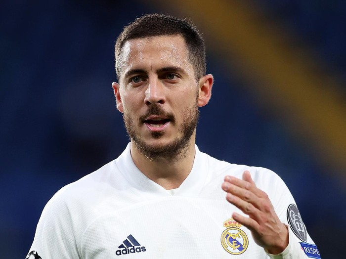 LONDON, ENGLAND - MAY 05: Eden Hazard of Real Madrid reacts during the UEFA Champions League Semi Final Second Leg match between Chelsea and Real Madrid at Stamford Bridge on May 05, 2021 in London, England. Sporting stadiums around Europe remain under strict restrictions due to the Coronavirus Pandemic as Government social distancing laws prohibit fans inside venues resulting in games being played behind closed doors. (Photo by Clive Rose/Getty Images)