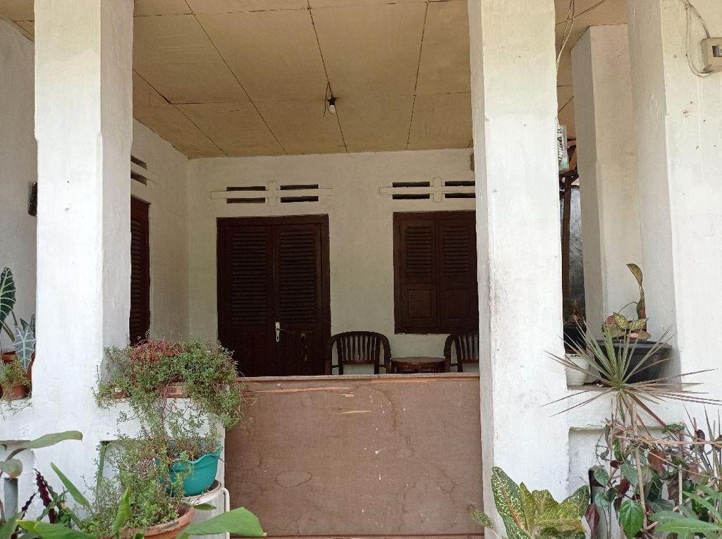 Melihat Kantor Kekaisaran Sunda Nusantara di Depok