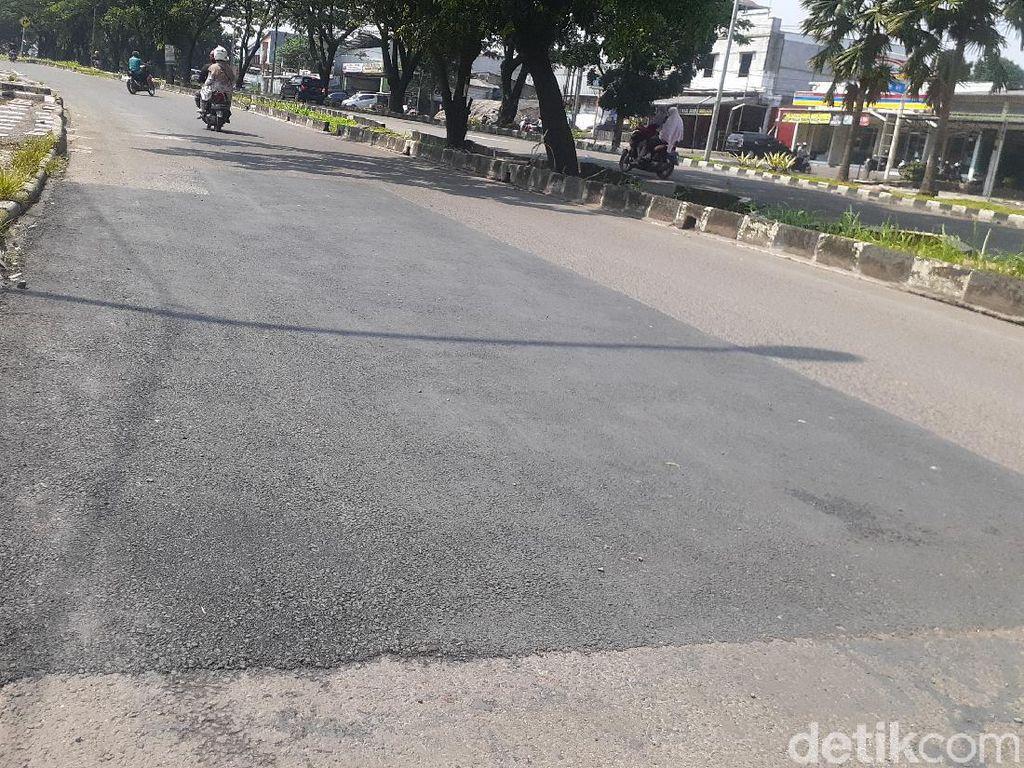 Lubang-lubang di Jl Tegar Beriman Kabupaten Bogor Sudah Ditambal