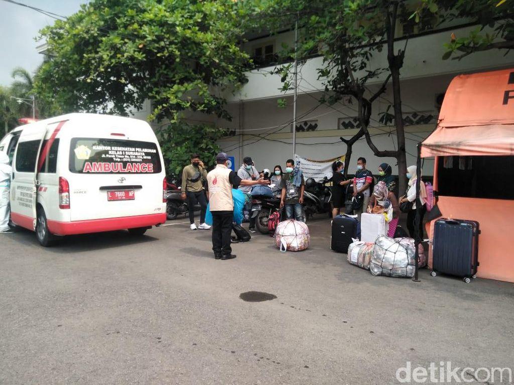 5.896 Pekerja Migran Indonesia Datang ke Jatim, 53 Positif COVID-19