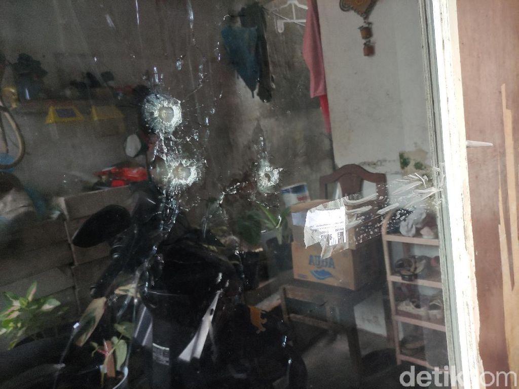 3 Lubang Tembakan di Rumah Warga Sidoarjo Kini Ditutup Lakban Bening