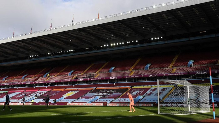 BIRMINGHAM, ENGLAND - FEBRUARY 06: General view inside the stadium during the Premier League match between Aston Villa and Arsenal at Villa Park on February 06, 2021 in Birmingham, England. Sporting stadiums around the UK remain under strict restrictions due to the Coronavirus Pandemic as Government social distancing laws prohibit fans inside venues resulting in games being played behind closed doors. (Photo by Shaun Botterill/Getty Images)