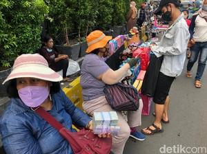 Inang-inang Berjejer Lagi di Kota Tua