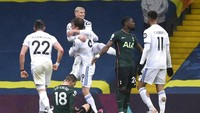 Leeds Vs Tottenham: The Whites Sikat The Lilywhites 3-1