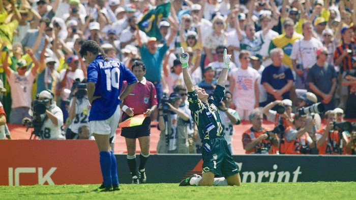 PASADENA, CA - JULY 17:  Brazil goalkeeper Taffarel celebrates after Roberto Baggio of Italy had missed his penalty to decide the FIFA World Cup Final 1994 between Brazil and Italy at the Rose Bowl on July 17, 1994 in Pasadena, California, United States, Brazil beat Italy 3-2 in a penalty shootout to win the World Cup. Photo by Shaun Botterill/Allsport/Getty Images)