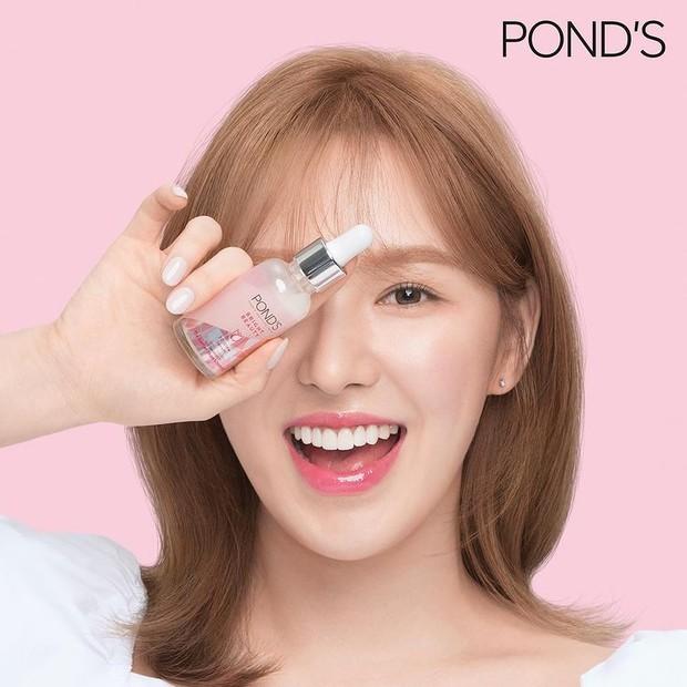 Wendy 'Red Velvet' menjadi wajah baru POND'S Triple Glow Serum di Indonesia.
