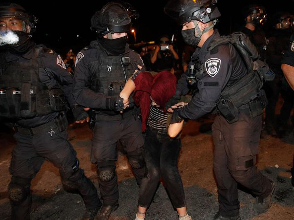 Warga Palestina Kembali Diserang Polisi Israel, 90 Orang Terluka