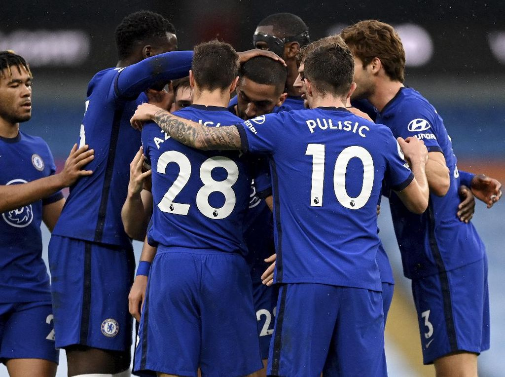Essien Jagokan Chelsea Juara Liga Inggris Musim Depan