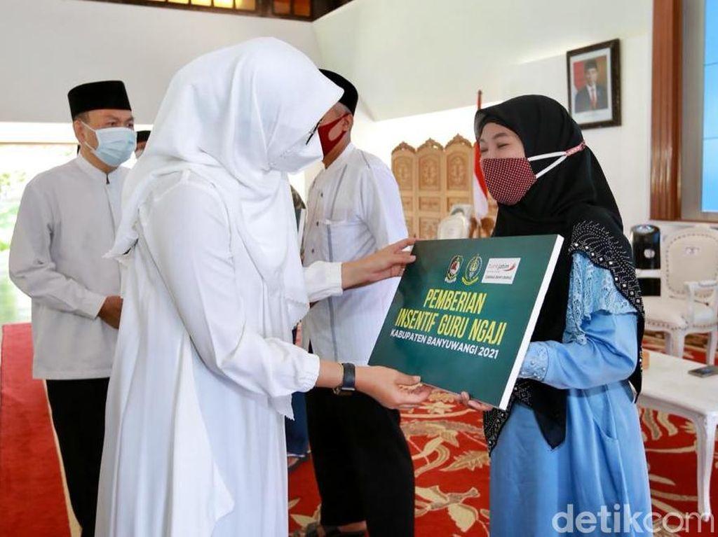 Insentif Rp 8,7 M Cair untuk 12 Ribu Guru Ngaji di Banyuwangi