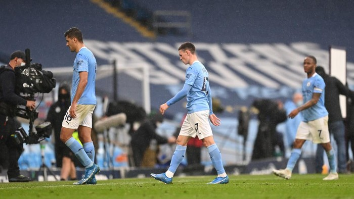 MANCHESTER, ENGLAND - MAY 08: Phil Foden of Manchester City looks dejected after the Premier League match between Manchester City and Chelsea at Etihad Stadium on May 08, 2021 in Manchester, England. Sporting stadiums around the UK remain under strict restrictions due to the Coronavirus Pandemic as Government social distancing laws prohibit fans inside venues resulting in games being played behind closed doors. (Photo by Shaun Botterill/Getty Images)