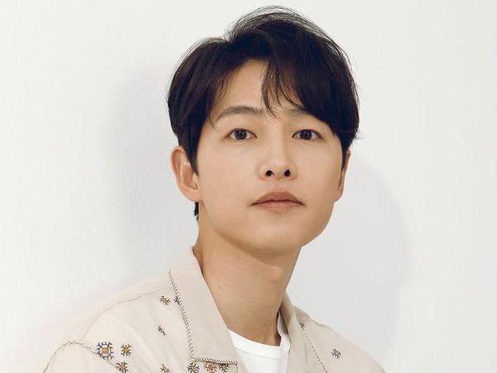 7 Fakta Menarik Song Joong Ki, Soal Masa Kecil Sampai Pengalaman Cinta