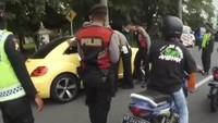 Spek Mobil VW yang Terobos Penyekatan Pemudik dan Tabrak Polisi di Klaten