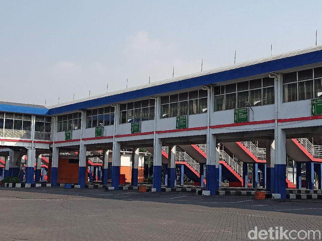 Sepinya Terminal Bungurasih, Bus Hanya Stand By Tanpa Penumpang