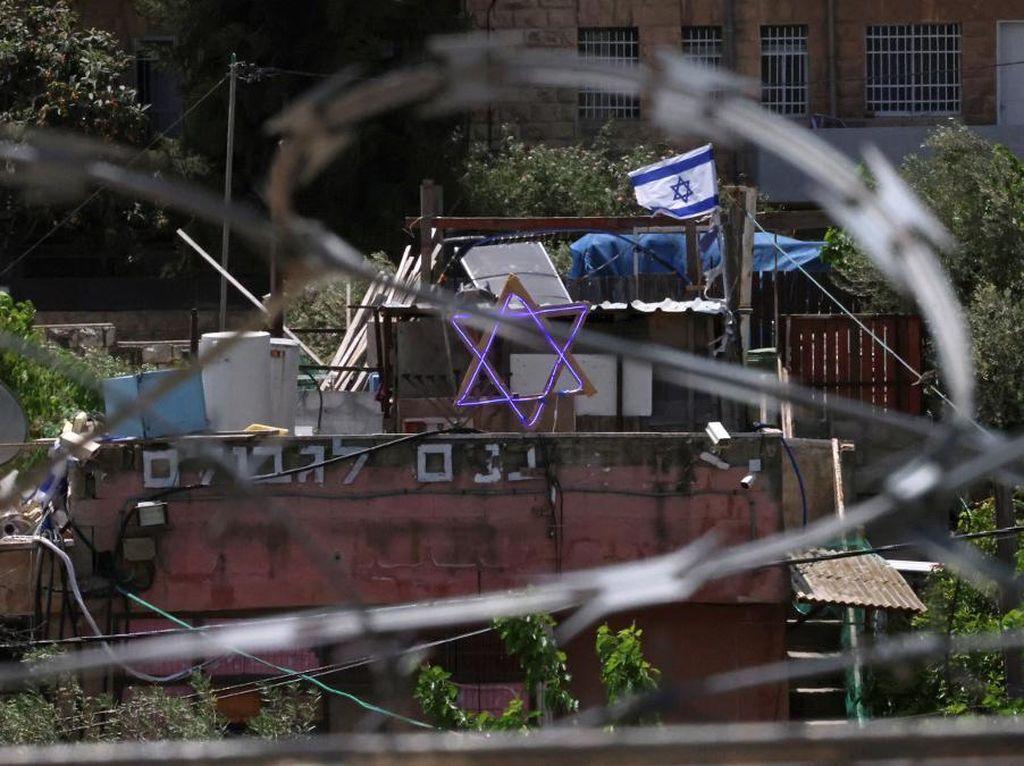 Sheikh Jarrah Memanas, Polisi Israel Lempar Granat ke Warga Palestina